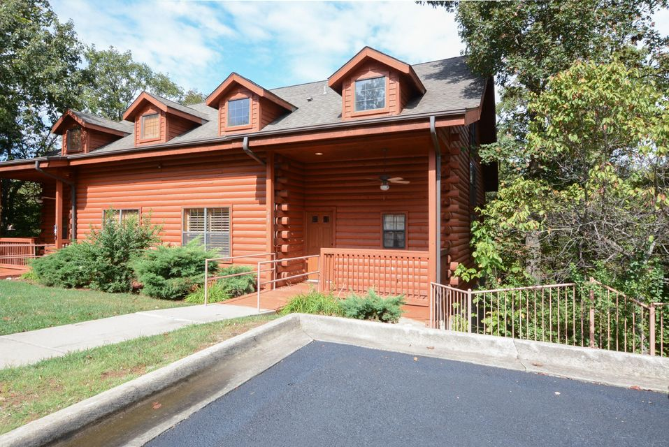 209  Oak Ridge Court Branson, MO 65616