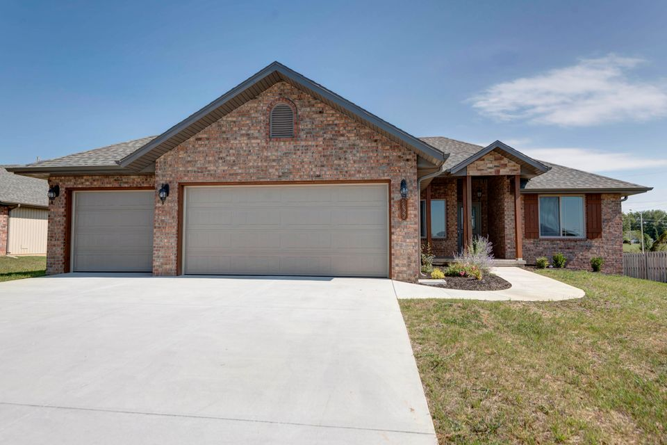 5622 South Tamarack Battlefield, MO 65619