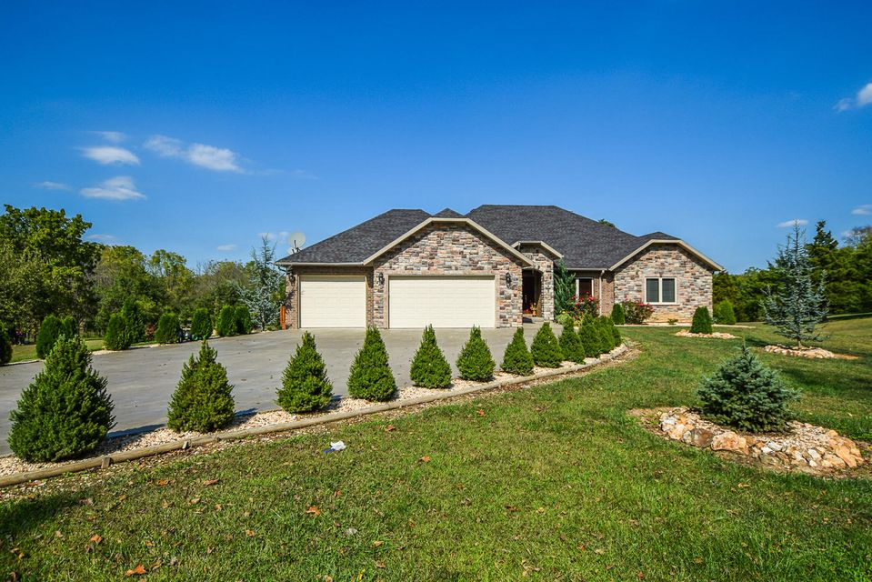 921  Indian Grove Lane Rogersville, MO 65742