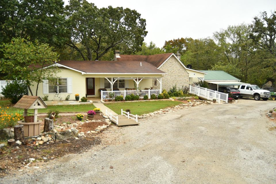4738 West State Hwy 86 Lampe, MO 65681