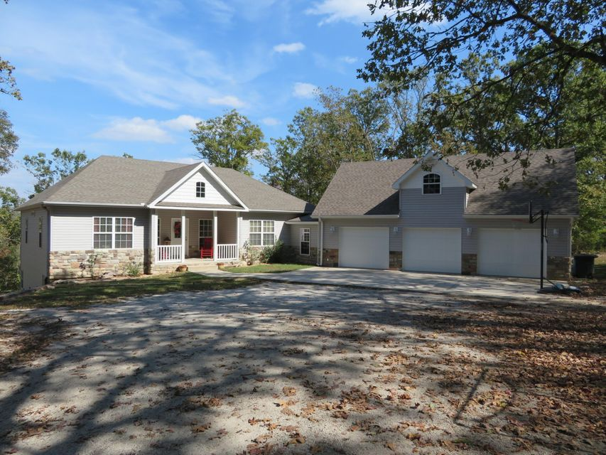 445  Trigger Cove Rd Kirbyville, MO 65679