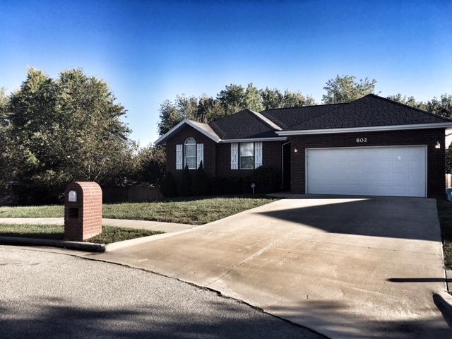 802 South Creekwood Court Nixa, MO 65714