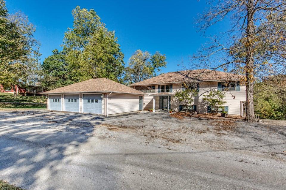 103 West Secluded Lane Nixa, MO 65714