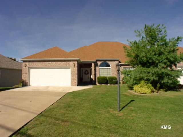 187  Sterling Way Hollister, MO 65672
