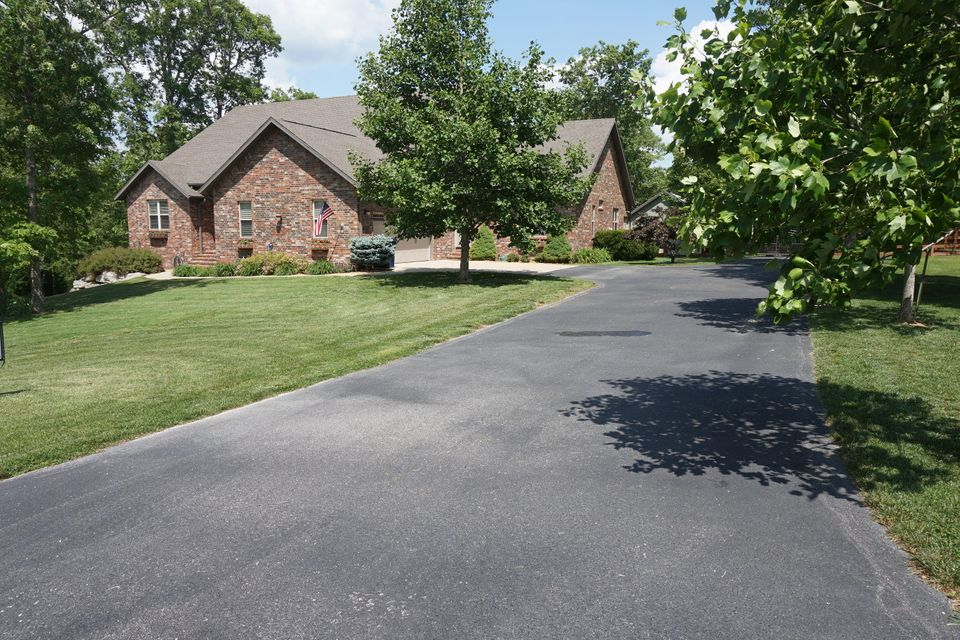 305  Kramer Lane Saddlebrooke, MO 65630