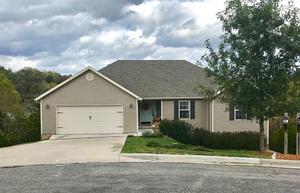 185  Oak Ridge Avenue Branson, MO 65616