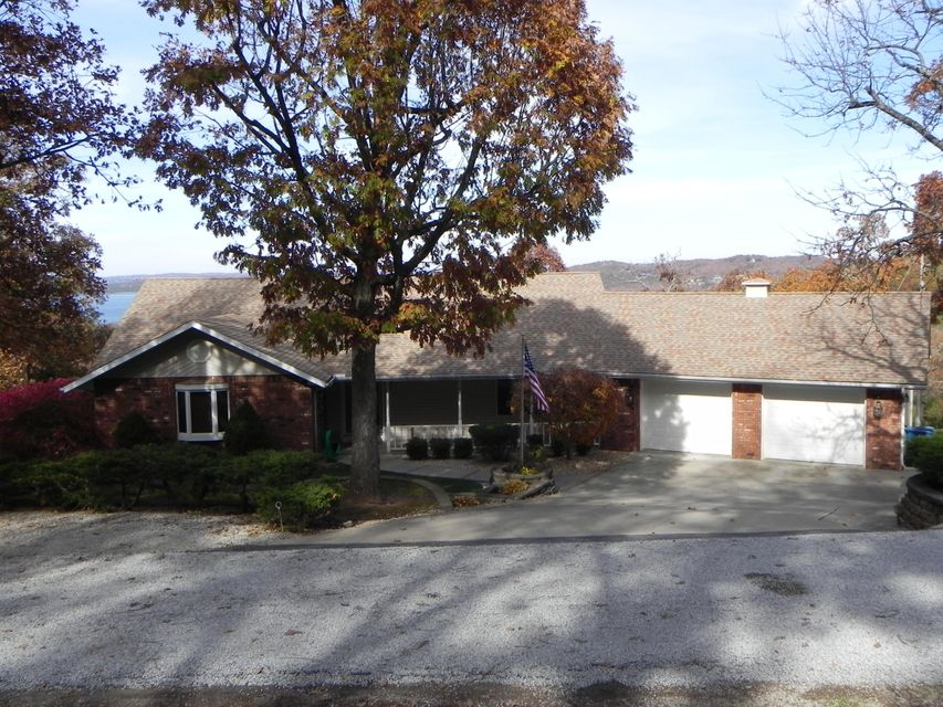 249  Country Lane Blue Eye, MO 65611