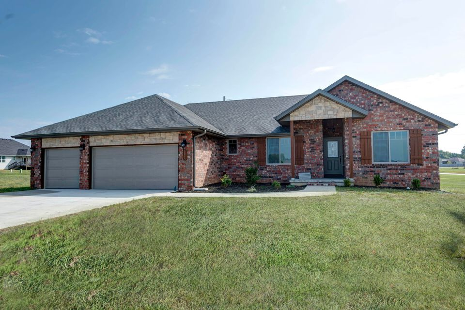 4527 West Cloverleaf Terrace Battlefield, MO 65619