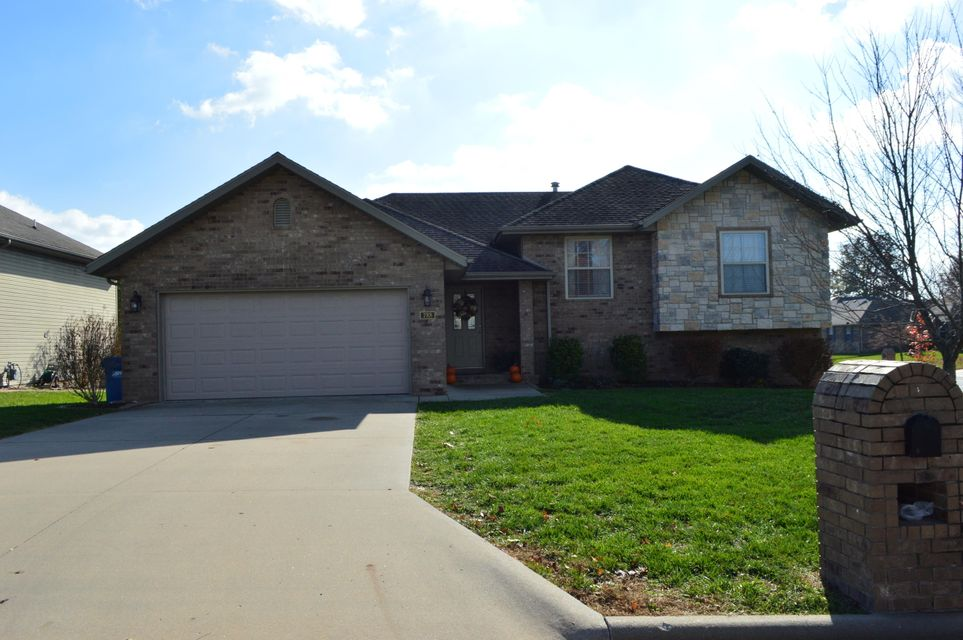 788 East Jordan Court Nixa, MO 65714