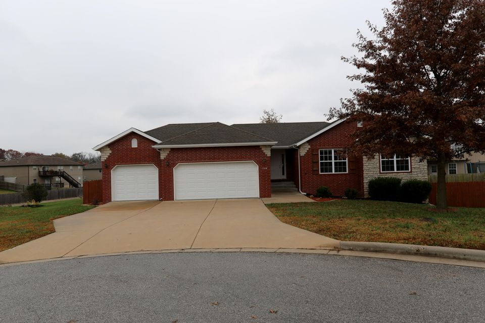 1126 West Westwood Court Nixa, MO 65714