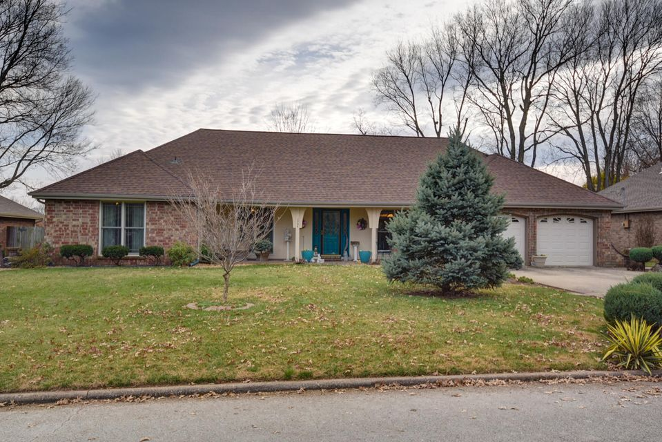 1734 East Vincent Street Springfield, MO 65804