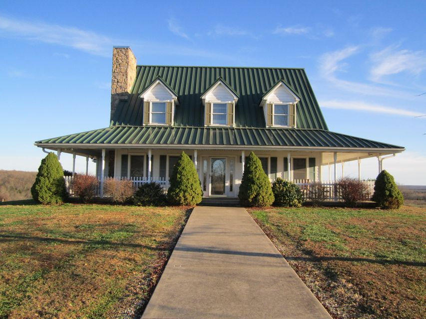 36  Robbers Roost Road Buffalo, MO 65622