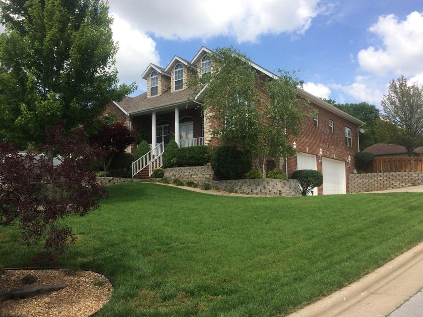 5094 South Chatsworth Avenue Springfield, MO 65810