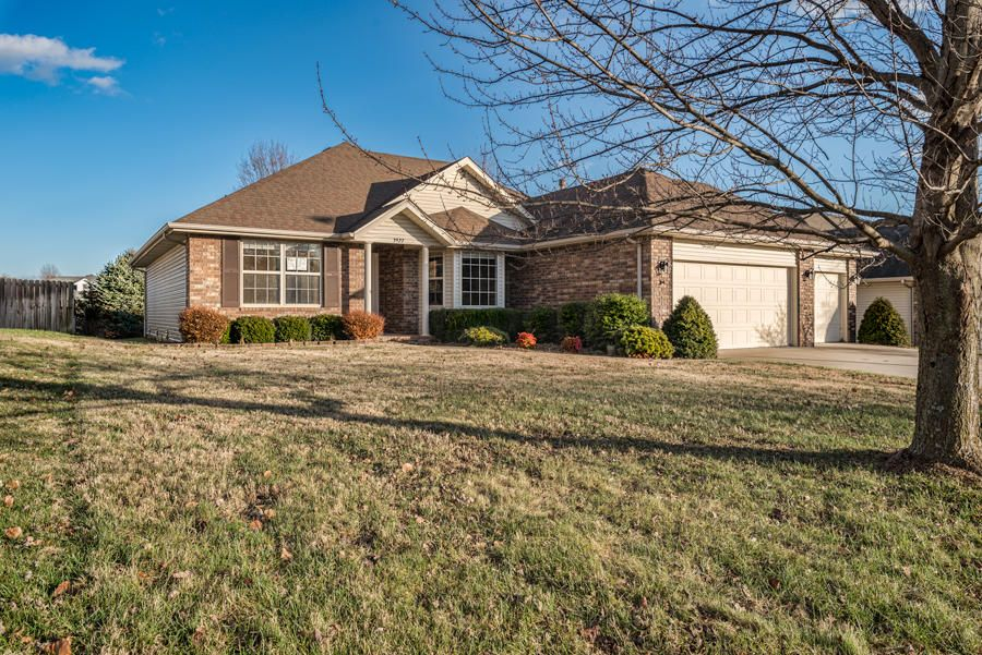 3922 South Ridgeline Avenue Springfield, MO 65807