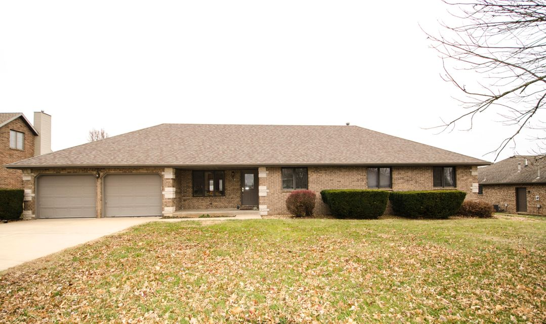 512 South Conroy Avenue Republic, MO 65738