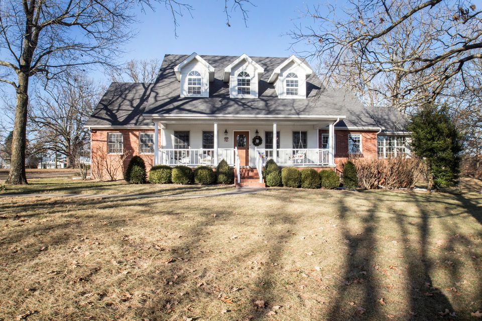 211  Hill Haven Road Marshfield, MO 65706