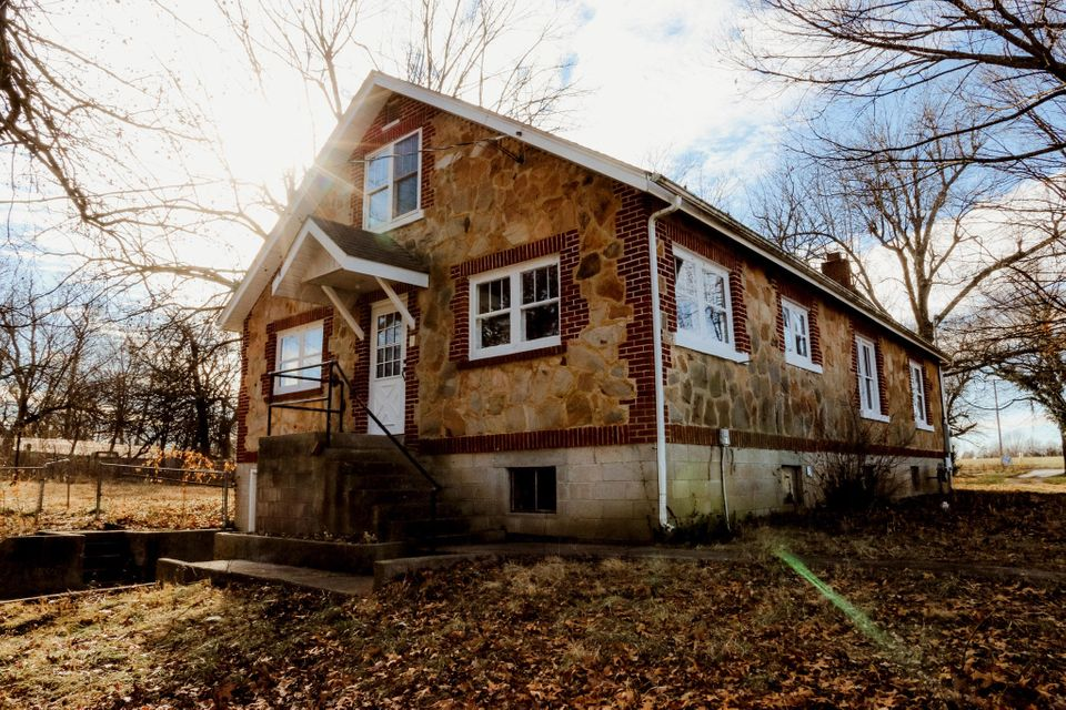 19238  Lawrence 1235 Marionville, MO 65705