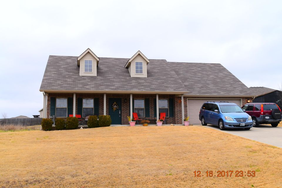 455  Holts Lake Drive Branson, MO 65616