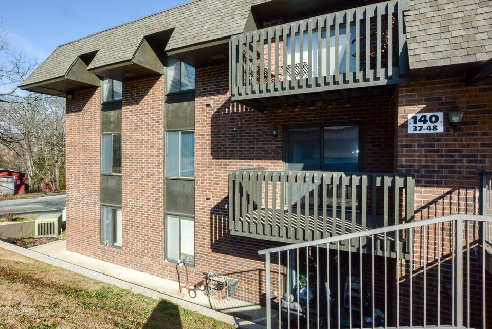 140  Wilshire Drive #44 Hollister, MO 65672