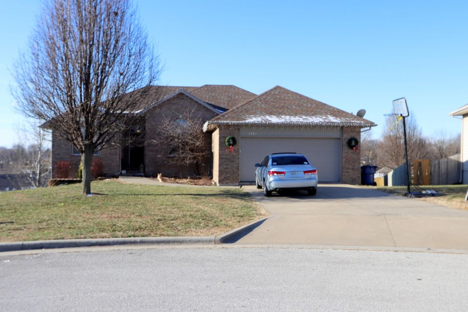 3303 North 30TH Street Ozark, MO 65721