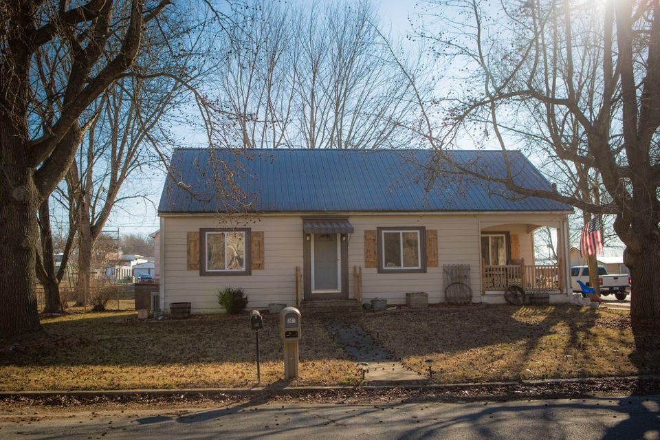 201 North Hemphill Avenue Crane, MO 65633