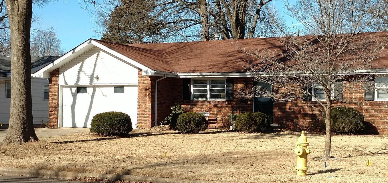 1543 East Glenwood Street Springfield, MO 65804