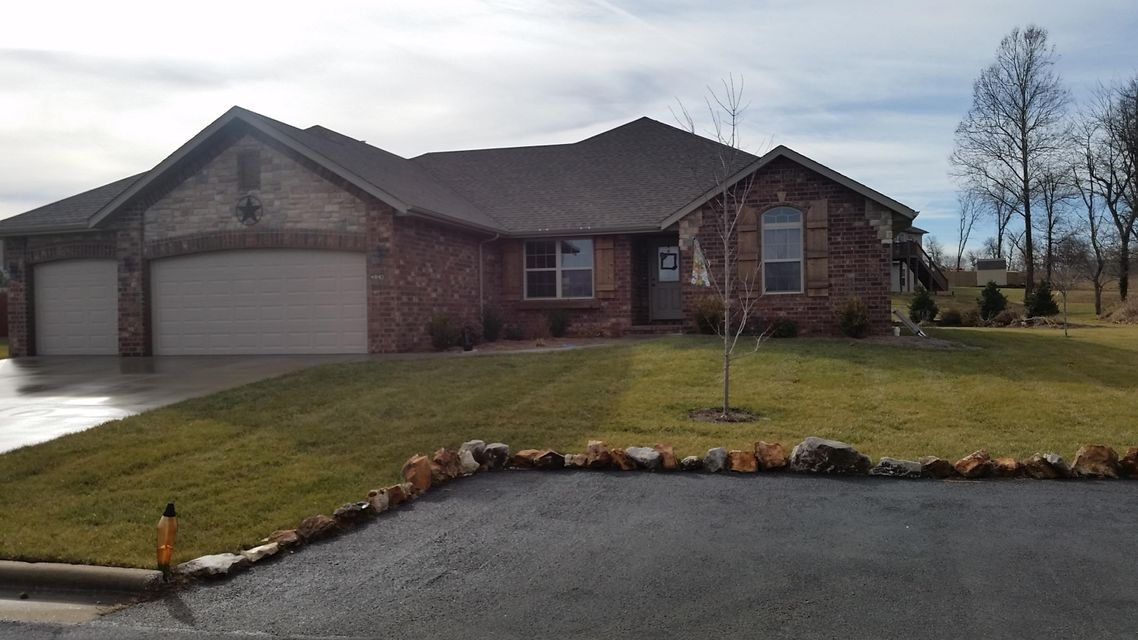 4942 West Silo Hills Drive Springfield, MO 65802