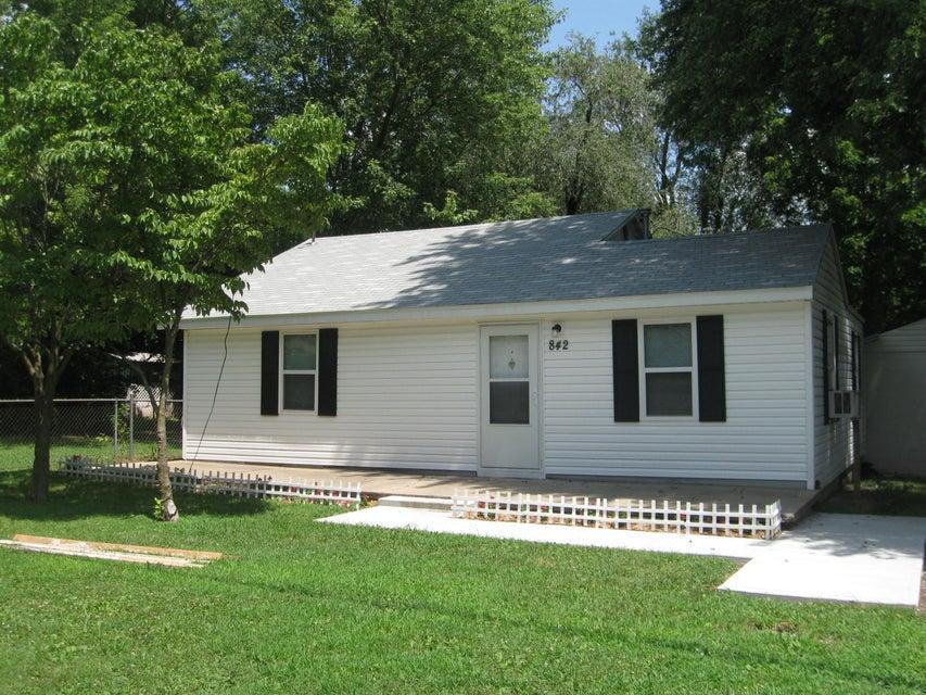 842 South Glenn Avenue Springfield, MO 65802