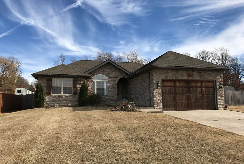 1500  Spring Hills Street Marshfield, MO 65706