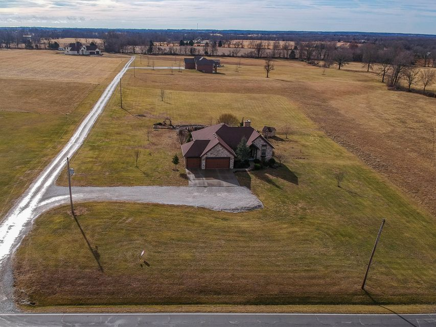 6562 East County Line Road Rogersville, MO 65742