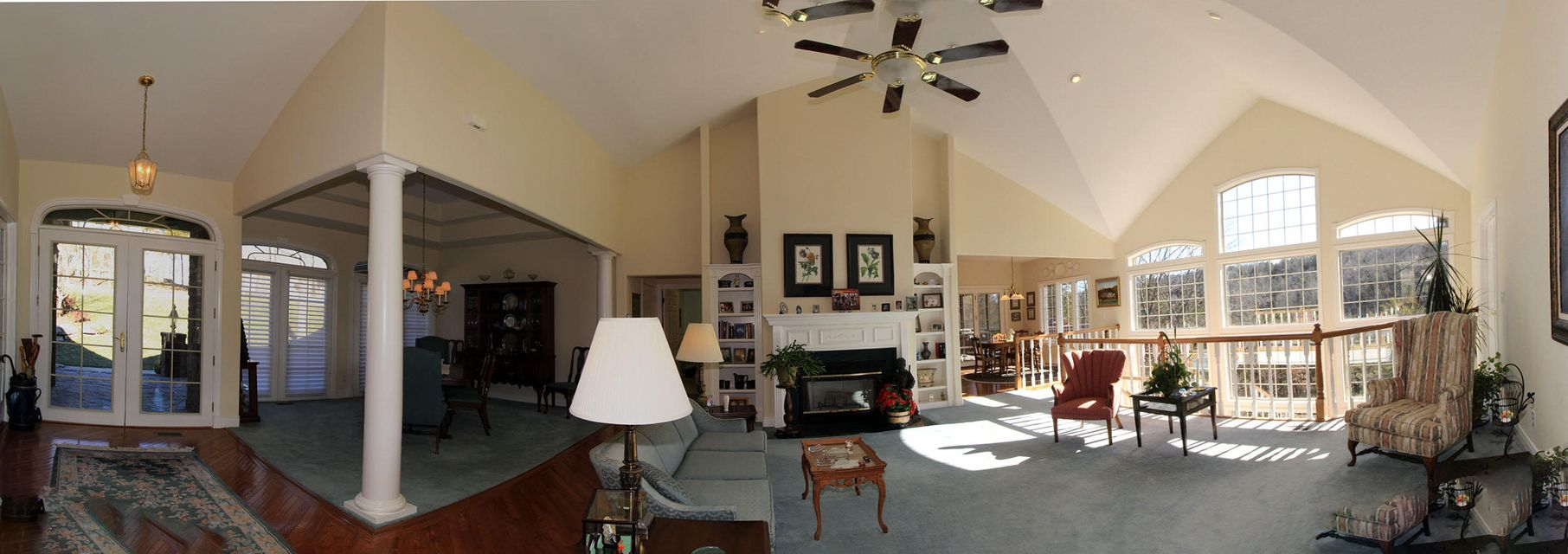 1007  Silvercrest Place Reeds Spring, MO 65737