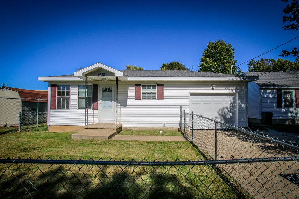 1839 West Hovey Street Springfield, MO 65802