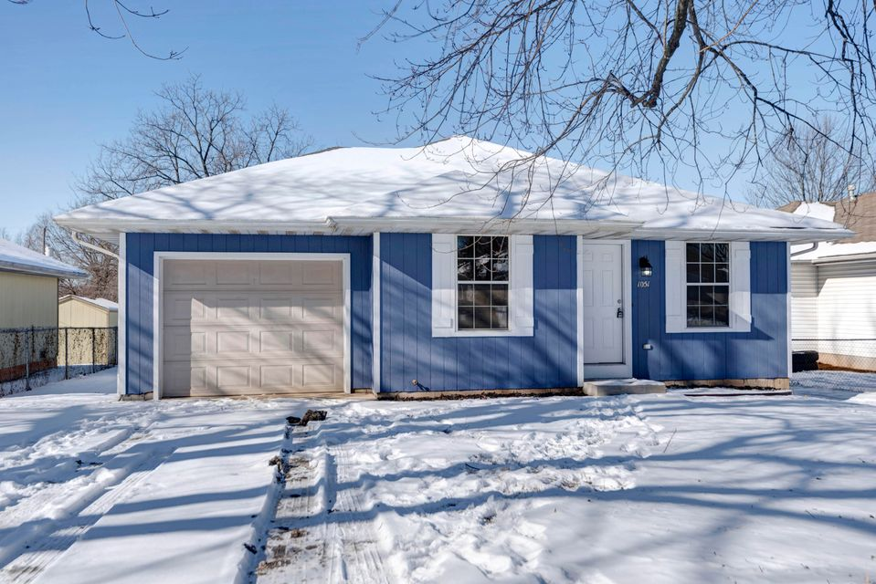 1051 South Glenn Avenue Springfield, MO 65802
