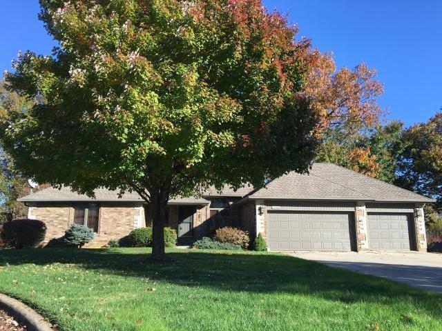 2516 South Chapel Drive Springfield, MO 65809