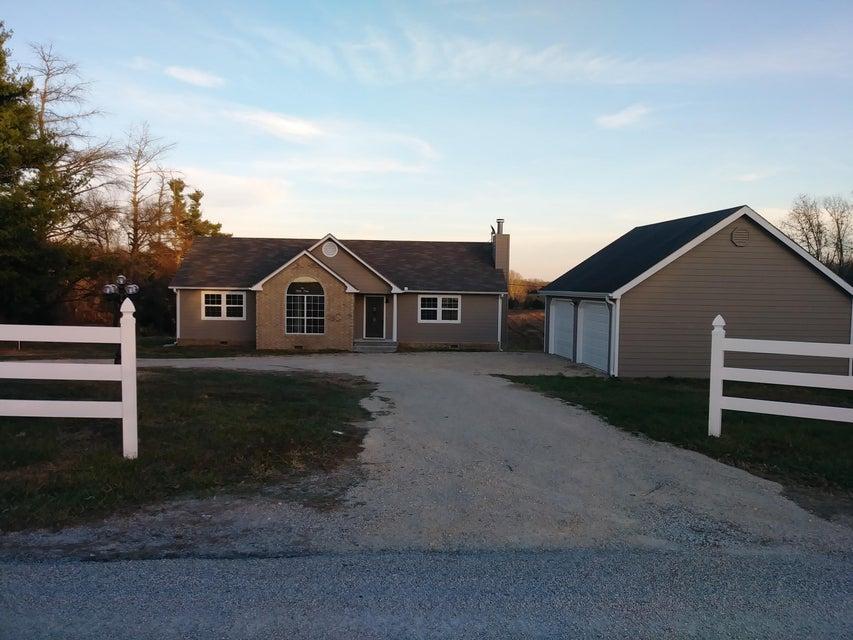 22853  Farm Road 2035 Crane, MO 65633