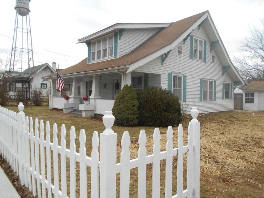 205 North Calhoun Avenue Ash Grove, MO 65604