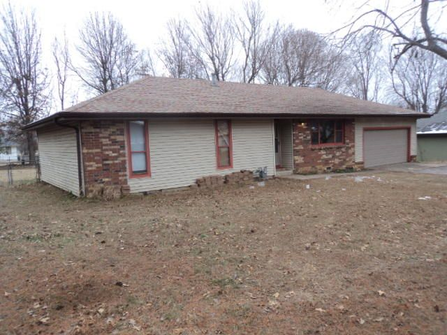 311  Little Avenue Clever, MO 65631