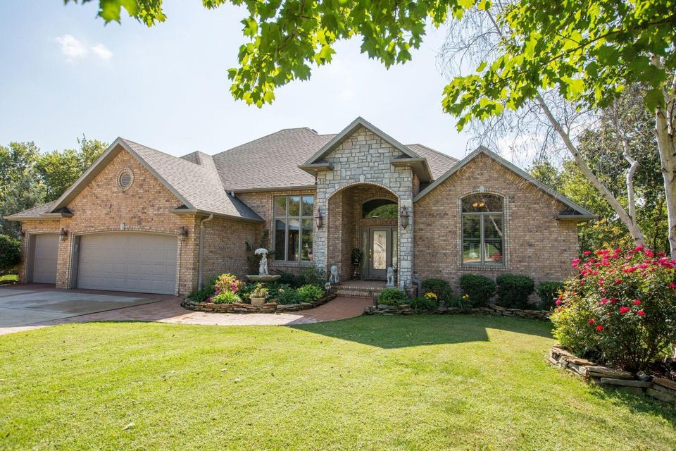 1122 West Oakville Road Springfield, MO 65810