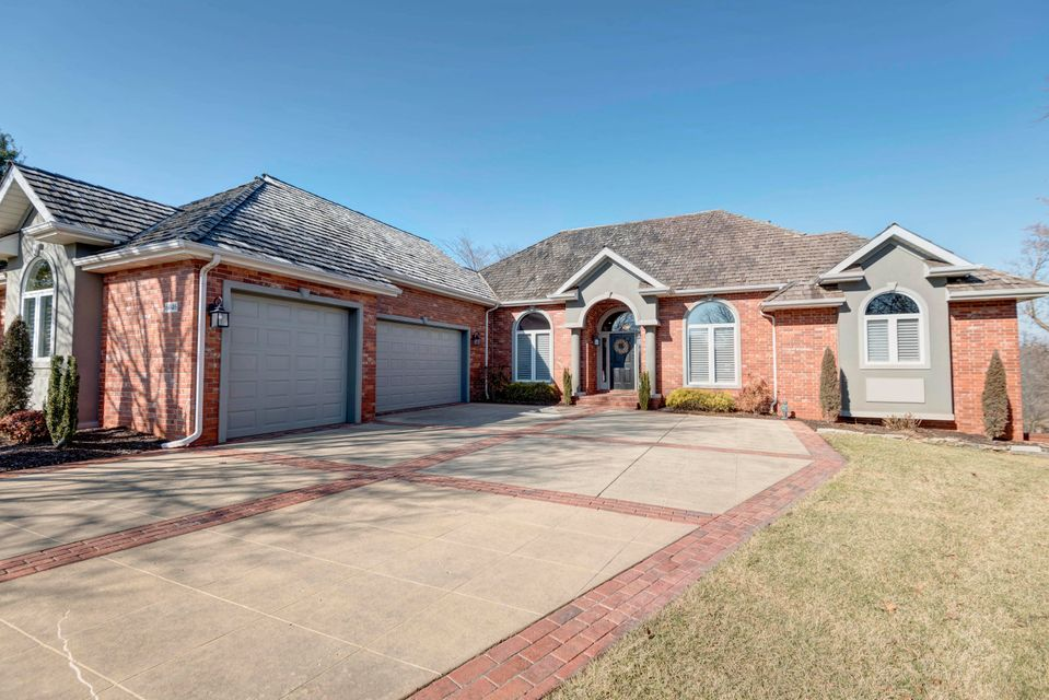 6046 South Lookout Ridge Drive Ozark, MO 65721