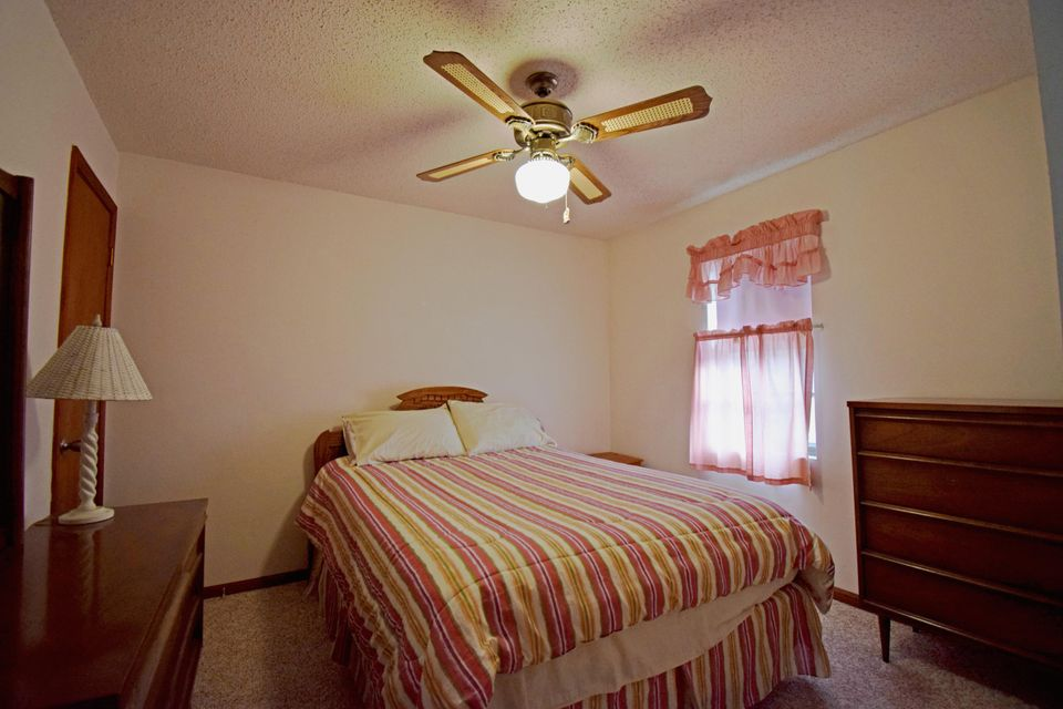 673  Mayflower Drive Lampe, MO 65681