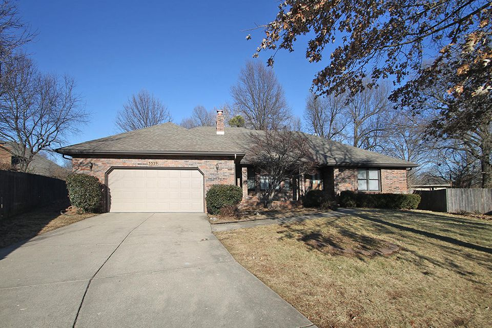 3339 West Berkeley Court Springfield, MO 65807