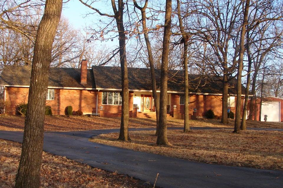 706  Farm Road 1180 Aurora, MO 65605