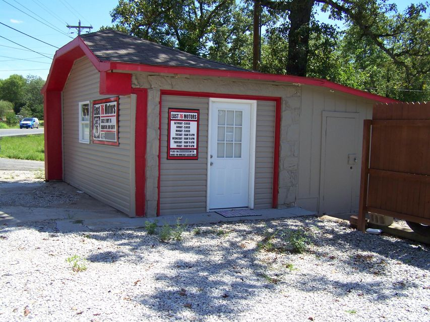 3032 East State Highway 76 Branson, MO 65616