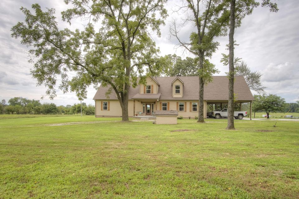 8274  Goldfinch Road Neosho, MO 64850
