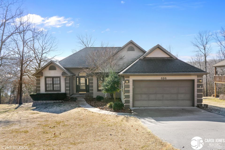 464  Mill Creek Shores Lane Lampe, MO 65681