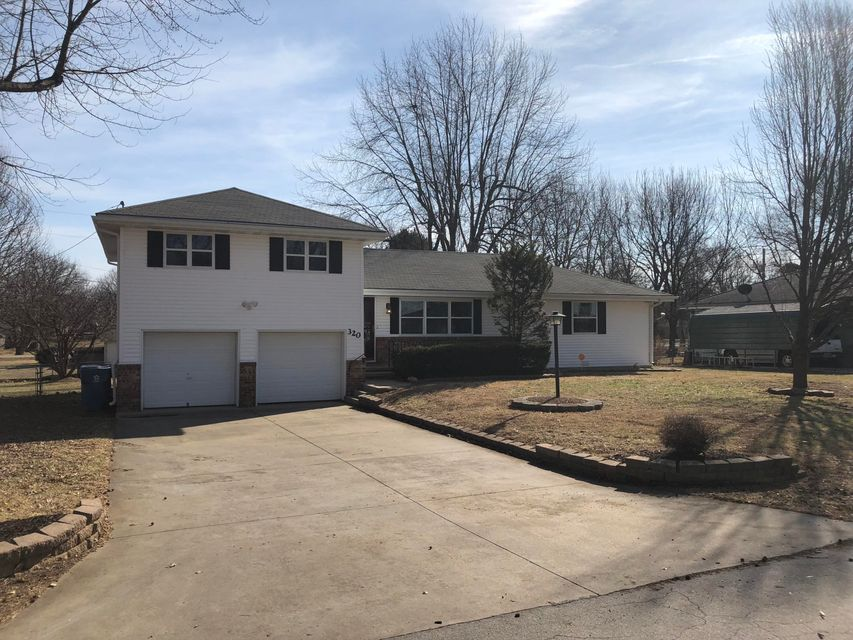 320 North Delaware Avenue Nixa, MO 65714