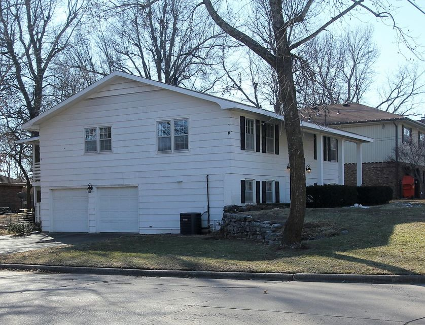2530 East Cherokee Street Springfield, MO 65804