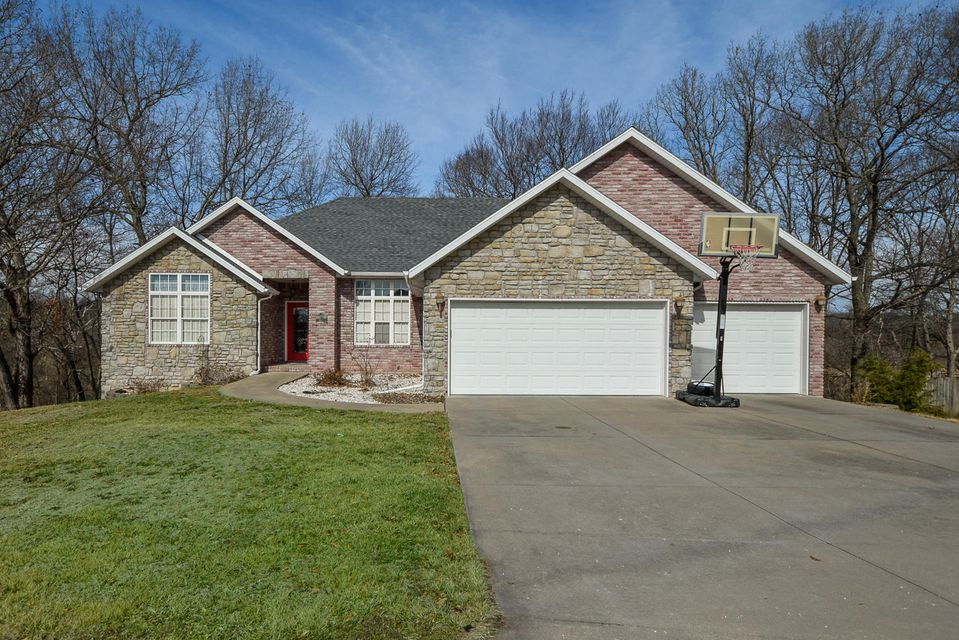 903 East Ridge Court Ozark, MO 65721