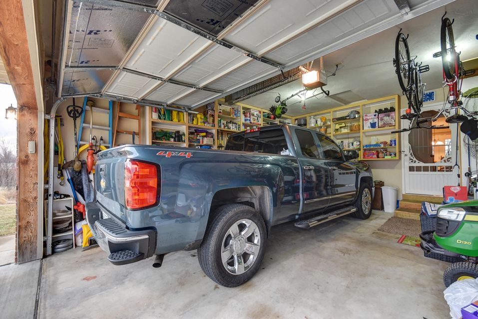 1754 South Thomas Drive Ozark, MO 65721
