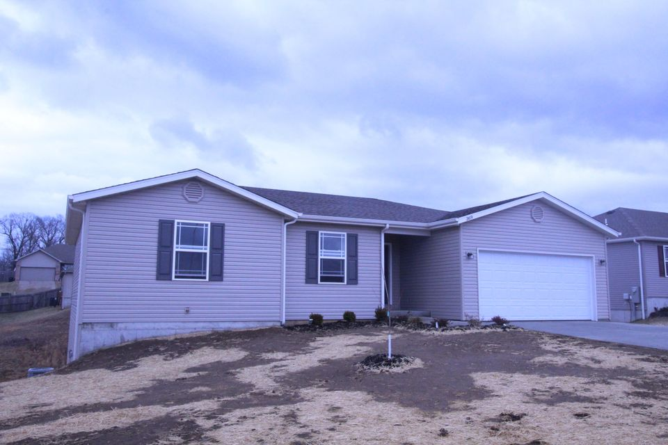 369  Echo Valley Circle Reeds Spring, MO 65737
